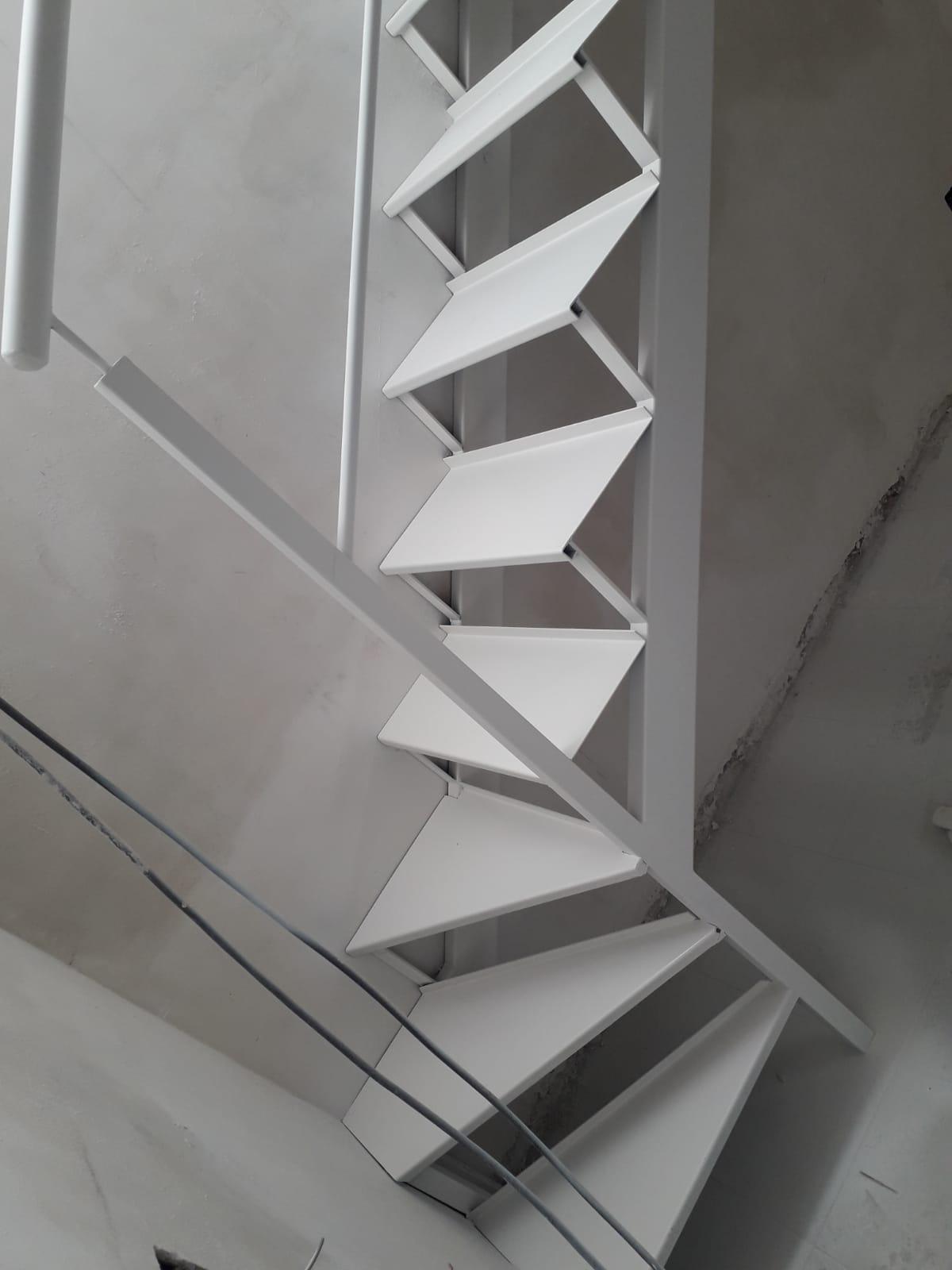 Escalera metálica