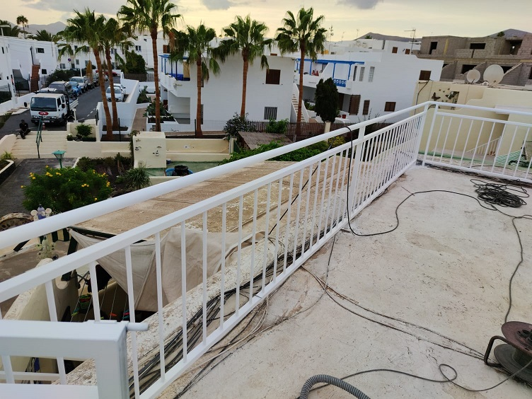 Baranda Exterior Instalada en Azotea en Puerto del Carmen
