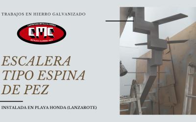 ESCALERA TIPO ESPINA DE PEZ FABRICADA E INSTALADA EN PLAYA HONDA POR CARPINTERÍA METÁLICA CORREA